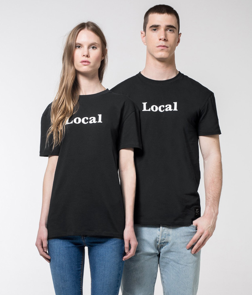 "Camiseta ""Local"" Negra"